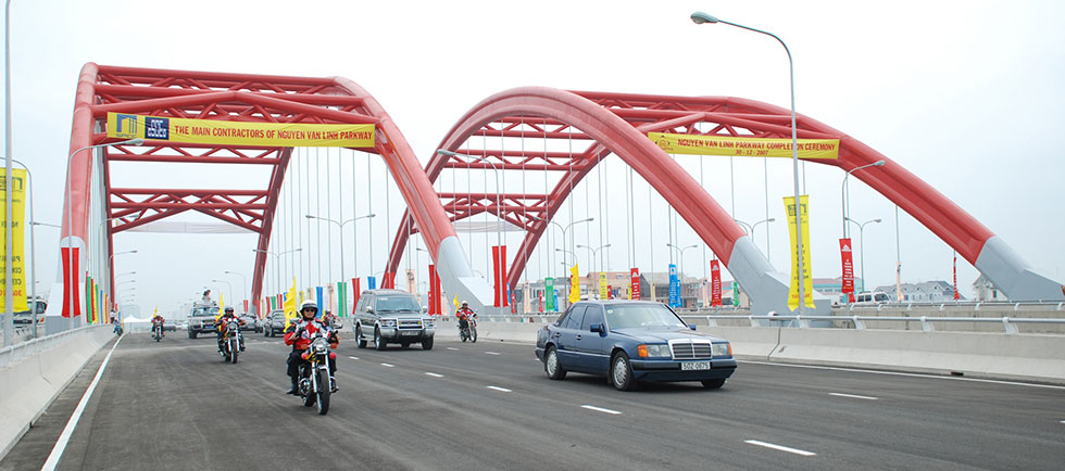 Ong Lon Bridge on Nguyen Van Linh Parkway