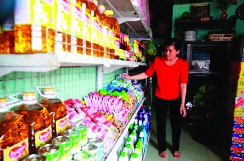 Tiệm tạp hóa của chị Lan Đài từ nguồn vốn hỗ trợ của Quỹ Vì Người nghèo huyện Bình Chánh