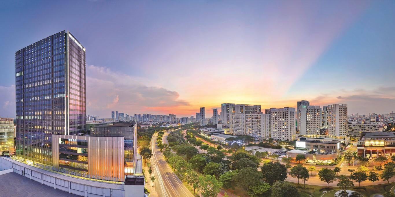 Đại Lộ Nguyễn Văn Linh là trục đường kết nối giao thông quan trọng giữa TP.HCM và các tỉnh Miền Tây.
