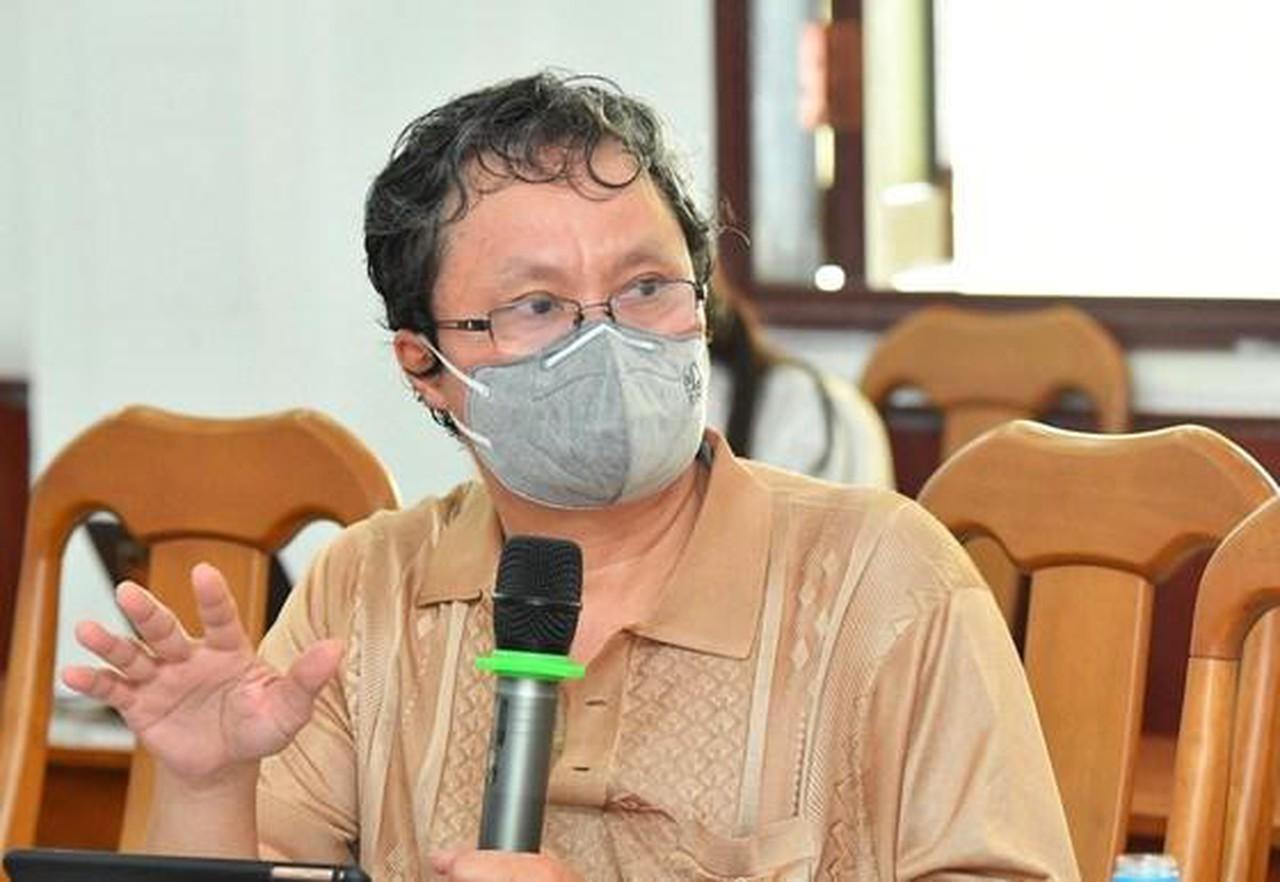 BS Trương Hữu Khanh phát biểu trong một cuộc họp về cách phòng, chống dịch Covid - 19. (Ảnh: sưu tầm)